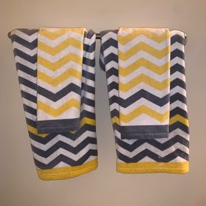 Other - Decor towels